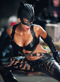 Splicedwire Catwoman Movie Review 2004 Catwoman Review Jean